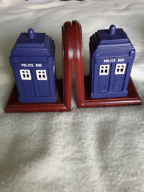 Dr Who Tardis wood bookends