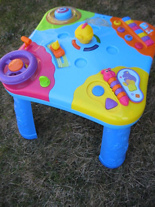 musical table for kids in prinsine condition