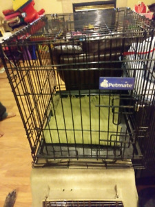 Medium petmate wire kennel, almost new only $25