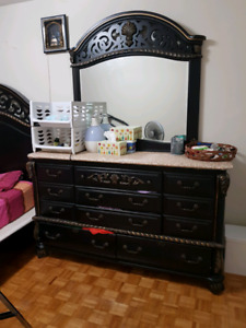 Used queen size bedroom sets