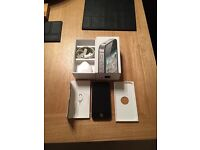 iPhone 4s unlocked to all networks PRISTINE CONDITION