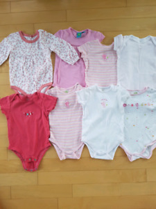 Lot des vêtements fille 18 - 24 mois Carters, Pekkle, LEVIS, GAP