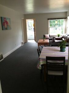 Walk to UWO close to Western campus 2 bedrooms for May lease London Ontario image 4