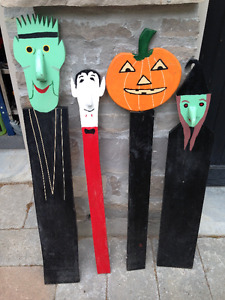 4 VINTAGE HALLOWEEN HAND PAINTED WOODEN THEMED BOARDS