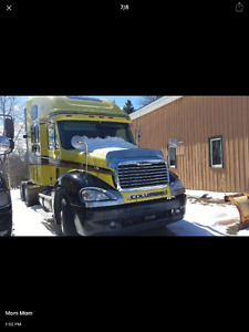 2005 Freightliner Columbia Highrise T/A Tractor