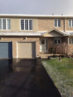 A must see! Great 3 bedroom townhouse for rent in great location