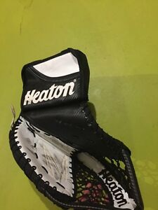 Hockey goalie trapper catcher glove Kingston Kingston Area image 2
