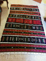 BEAUTIFUL HAND-MADE WOOL RUGS / MAGNIFIQUES TAPIS LAINE