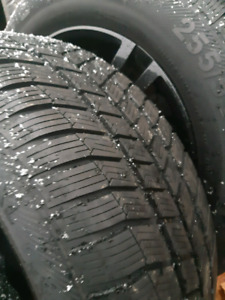LIKE NEW 255/55/R18 WINTER SNOW TIRES