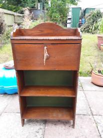 Three peaces of lovely wood furniture.oak,