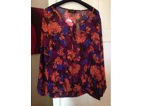 Selling for friend ...Brandnew lovely blouse SAVOIR ..Size 24