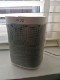 Sonos play one with dent to one side, don't affect