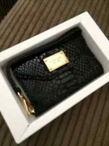 New in box iPhone 4 or 3GS leather wallet clutch Kitchener / Waterloo Kitchener Area image 2