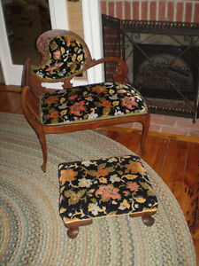 ANTIQUE SETTEE AND FOOT STOOL