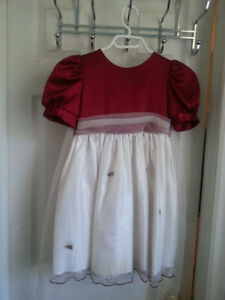 Beautiful girls' occasion dress - Size 4. Like brand new.
