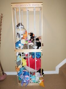 STUFFED ANIMAL STORAGE/CAGE