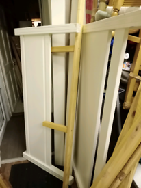 Lovely Whit double bed frame in good condition