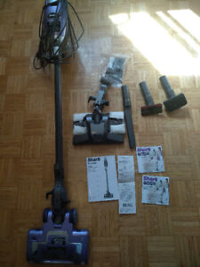 SHARK VACUUM ROCKET HV320 WITH ALL PARTS AND RECEIPT