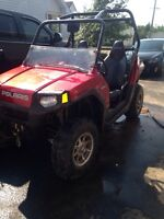 Red 2009 rzr polaris !!