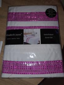 Brand new double duvet set white pink diamante
