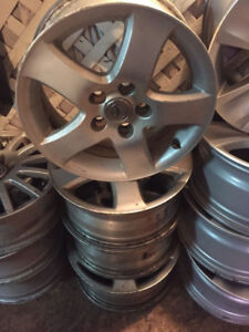4 Mags Toyota 16 Pouces 5x115