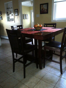 Stray Dining Table and Chairs need a new home.