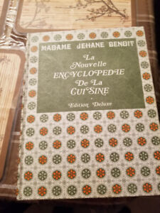 livre de recettes (ENCYCLOPÉDIE DE LA CUISINE)  1150 pages