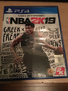 Ps4 nba2k19 played twice in good condition.no scratch