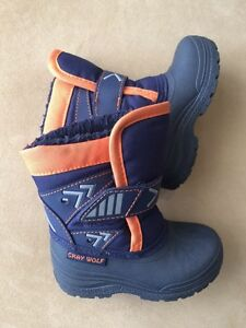 Baby/Toddler winter boot (size 6)