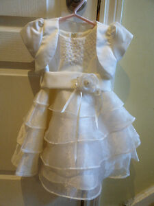 BEAUTIFUL DRESS FOR WEDDING (FLOWER GIRL!) OR BAPTISM.