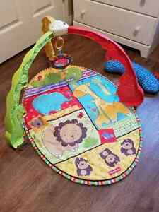 Activity mat fisher price and mini baby tummy time pillow