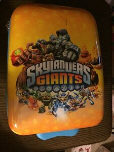 Skylanders Giants Wheeled Luggage