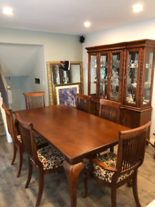 8 Piece dining room set.