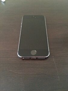 IPHONE 5S 3GB MINT CONDITION