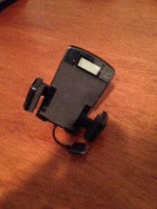 Support Chargeur (Rack auto) Iphone 4, 4S