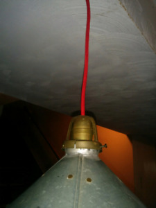 Industrial pendant lamp with shade