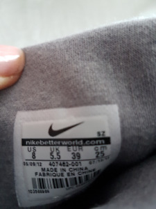 NIKE SIZE 8 NEW  BOOTS