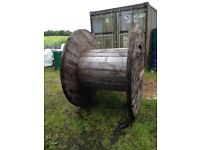 Wooden cable reel / picnic table 5ft 3