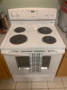 Gently used electric 30in Stove/Oven/Range