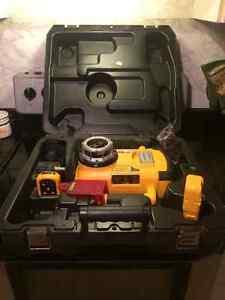 outils dewalt à (batteries et électriques)