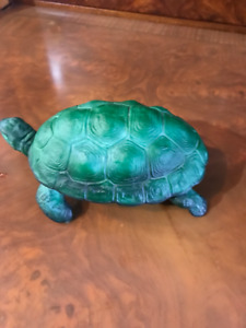 malachit green hand carved glass  turtle container with a lid