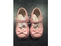 First Walkers size 5 BNWT