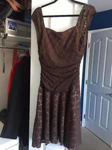 LOTS OF USED WOMEN'S CLOTHING FOR SALE - M/L Sizes