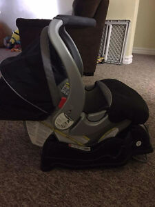 Baby trend EZ Flex Carseat and base