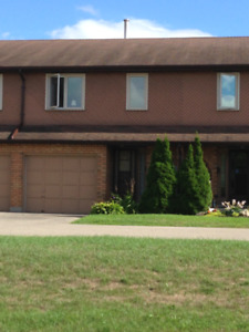 Townhouse with garage for RENT - 3brdm 2 bath - NE Woodstock