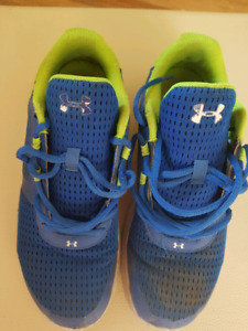 Under armour running shoes size 7 mens