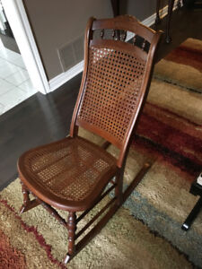 ROCKING CHAIR - ANTIQUE -SOLID OAK - NEAR PERFECT CONDITION
