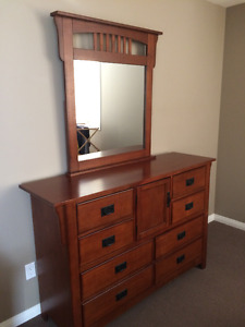 Bedroom set - Queen bed, Dresser with mirror and nightstand