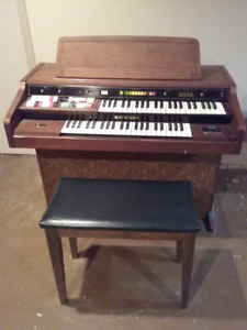 1977 Hammond Organ for sale.
