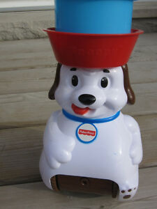 Fisher-Price Lil' Snoopy Tippin' Treats Game